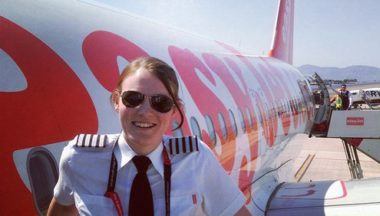 EasyJet's Kate McWilliams is 's werelds jongste captain